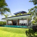 Desain Rumah Minimalis Atap Rumput oleh Guz Architects