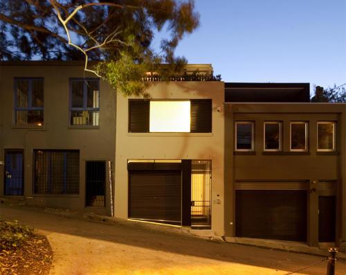 Desain Rumah Minimalis Modern S House by Facet Studio