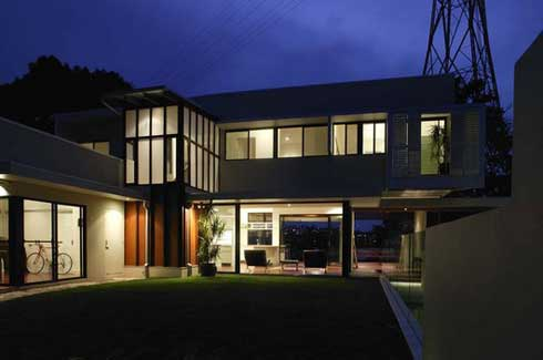 Desain Rumah Minimalis Residential House by Bligh Voller Nield