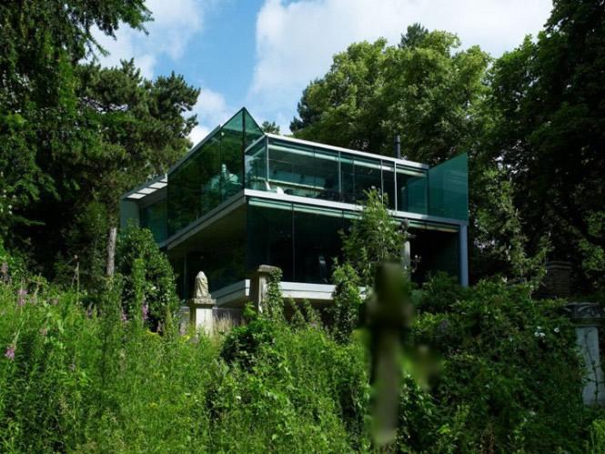 Rumah Minimalis Bizarre House