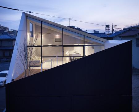 Rumah Minimalis North Facing Void by Future Studio