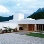 Rumah Minimalis dengan Pemandangan Gunung Yang Indah