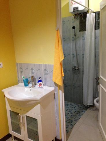 renovasi kamar mandi mungil-bukit golf cimanggis terato